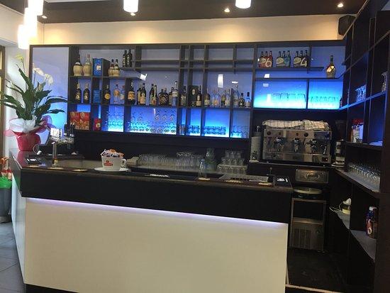 Conte Uguccione: bar interno