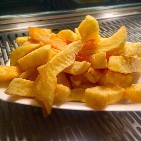 Avenue Road Chippy: Beautiful golden fresh chips 😍