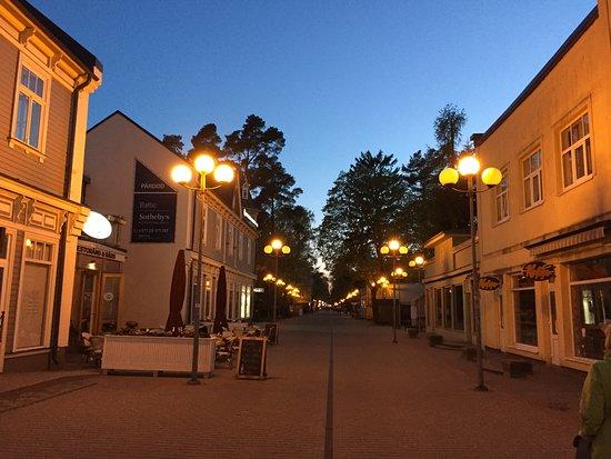 Sunset Hotel: Улица Йомас