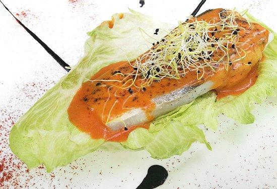 Bacalao con salsa de piquillo dulce del restaurante Monty's en Madrid