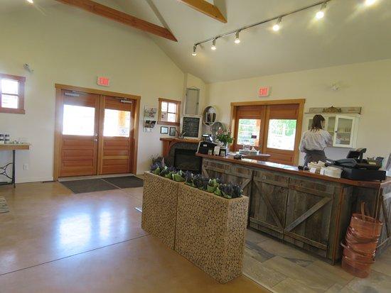 Okanagan Lavender & Herb Farm: Sales room