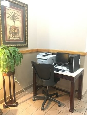 Ramada by Wyndham Owensboro : One of Two Guest Business Centers in Hotel Lobby