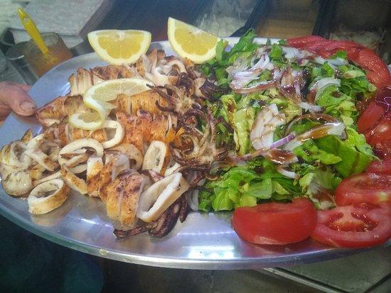 Ormos Korthiou, Greece: Σας περιμένουμε εδω στο ψητοπωλείο ανατολή να απολαυσετε τις μοναδικες μας γεύσεις!!!  Σας ευχομ