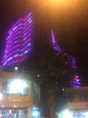 Diamond Hill Resort & Spa: Ночной Вид Отеля