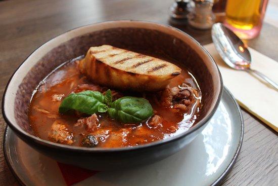 Burrata: Zuppa di Pesce