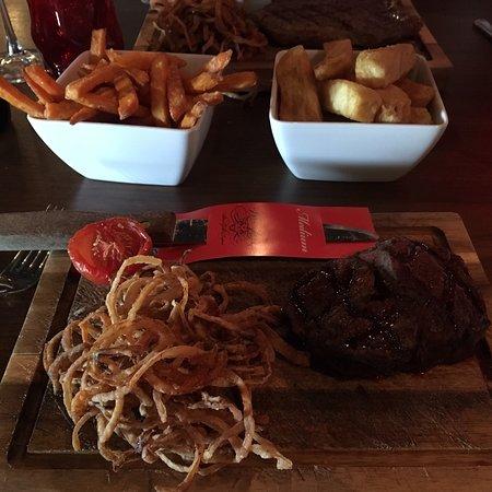 Wildfire Grill Restaurant ภาพถ่าย