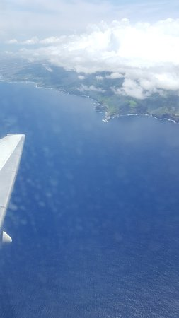 Hawaiian Airlines: View of Maui after take off