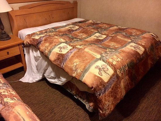 Hidden Ridge Resort: This is what housekeeping calls making a bed