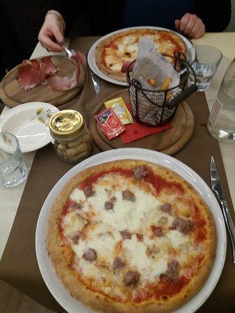 Il Forno dell'Oste: Pizza e patatine