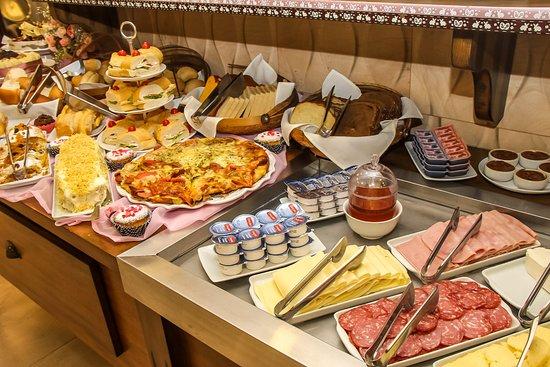Hotel Gramado Interlaken: Buffet, Café-da-Manhã