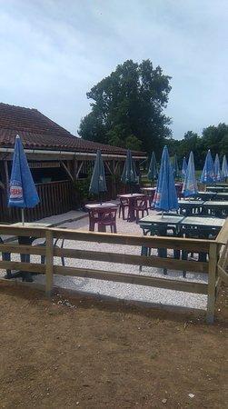 Labyrinthe Le Minotaure: terrasse restaurant