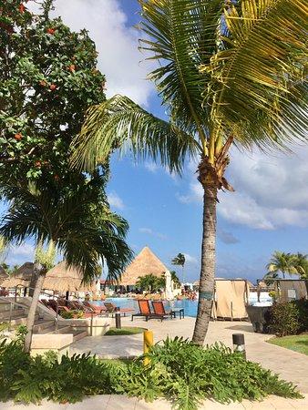 Moon Palace Cancun : NIzuc pools