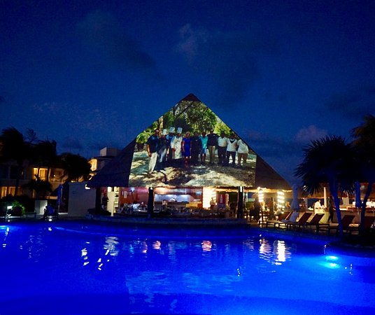 Moon Palace Cancun: Phenomenal slide presentation at Nizuc