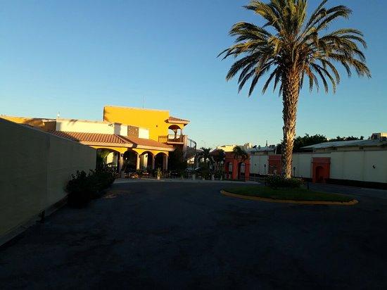 Hotel Quinta Del Sol: 20180530_193353_large.jpg