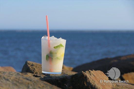 El Paradise Beach Club: Mojitos a pie de playa.