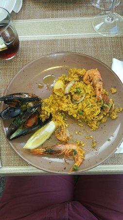 Restaurante El Balear : Excellente Sangria et paella Maison ( mixte)