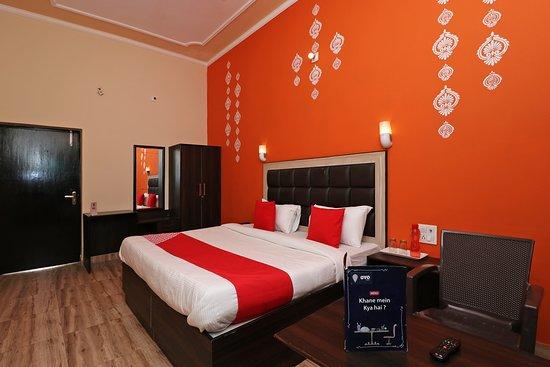 OYO 4715 KK Residency : Deluxe AC Room