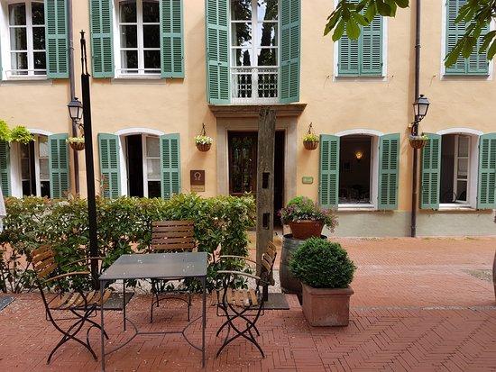 Hostellerie de l'Abbaye de la Celle Restaurant : La terrasse