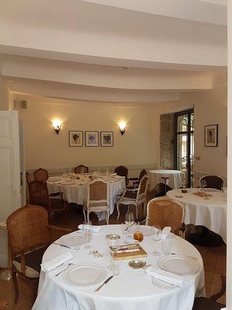 Hostellerie de l'Abbaye de la Celle Restaurant : La salle de restaurant