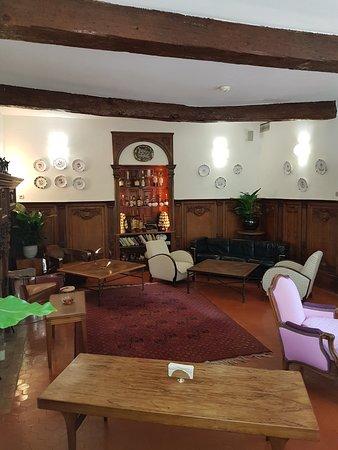 Hostellerie de l'Abbaye de la Celle Restaurant : Le salon