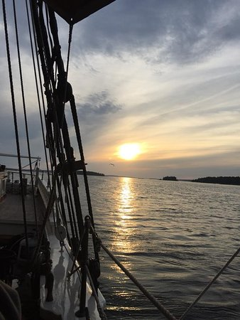 Schooner Stephen Taber Day Cruises: such amazing sunsets