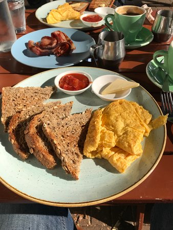 Hinemoa Street Organic Cafe: 'Scrambled' eggs