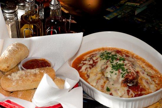 Mama Mia Cuisine Mediterranean food: Chicken Parmesan