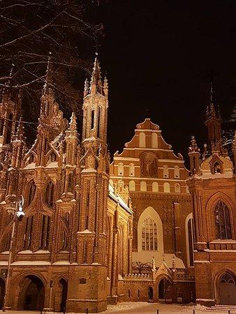 MG Voyages: St.Annes Church in Vilnius