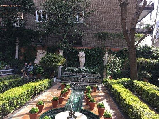 Musée Sorolla : Courtyard