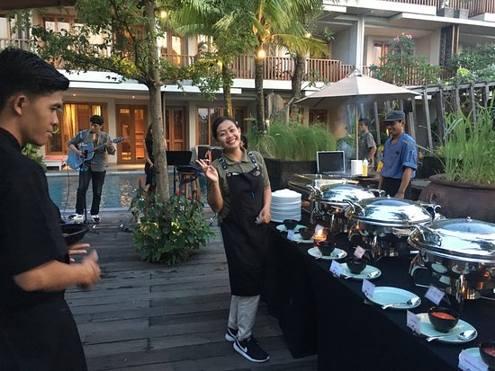 THE HAVEN SUITES Bali Berawa: BBQ