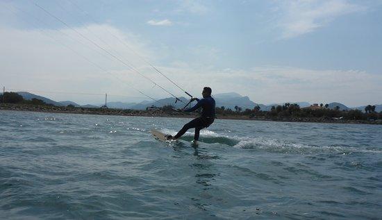 Kitesurfing Club Mallorca: curso de kitesurf para principiantes Mallorca kiteschool en Julio
