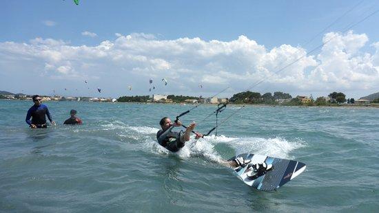 Kitesurfing Club Mallorca: kite stehrevier Mallorca kitekurs in juli