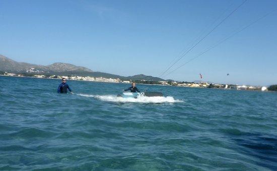 Kitesurfing Club Mallorca: corsi di aquilone in kitesurfing club Pollensa lezioni di aquilone mallorca nel mese di giugno c