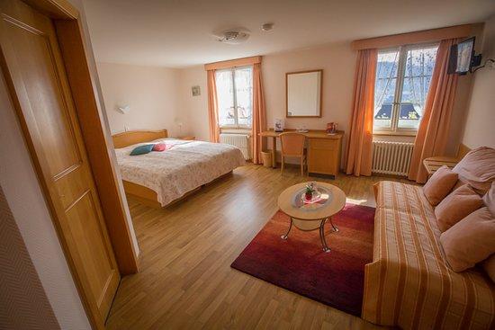 Morlon, Switzerland: Chambre double supérieure