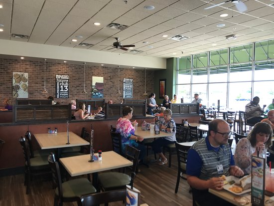 McAlister's Deli : Seating