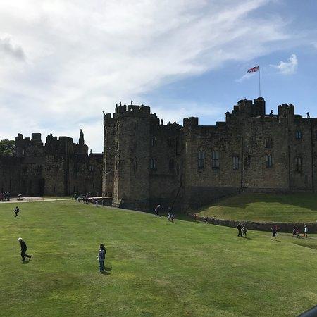 Viking Coast and Alnwick Castle Small Group Day Tour from Edinburgh ภาพถ่าย