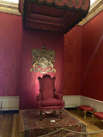 Kensington Palace: Canopied Throne