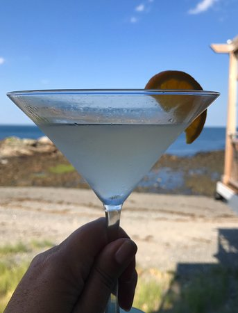 MC Perkins Cove : Drink on the deck