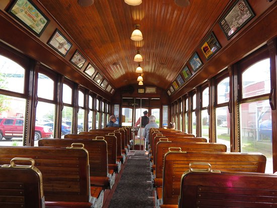 Cannery Pier Hotel: Restored Asoria trolley for extra fun!