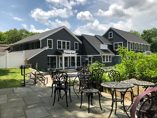 Hotels Near Nashoba Valley Winery