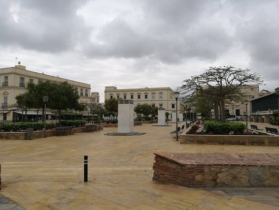 Plaza de las Cuatro Culturas: La Plaza.