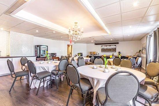 Canadas Best Value Inn Welland Niagara Falls: Breakfast Area