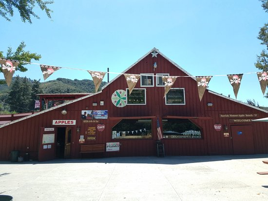 Oak Glen, CA: The apple barn offers fresh apples, cider, fruit butters, jams, jellies, wine, candy and more.