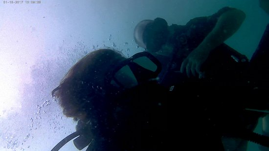 Real Divers: Neil holding me