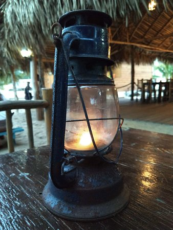 Driftwood Beach Bar & Pizza Shack: Table Lighting