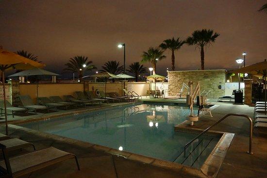Fairfield Inn & Suites by Marriott Tustin Orange County: great whirpool