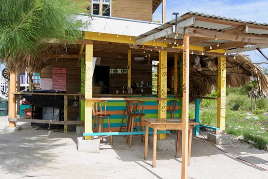 Kitchen Brings Food To Beach Or Dine Grill Side Picture Of Wayne S World Bar Grill San Pedro Tripadvisor