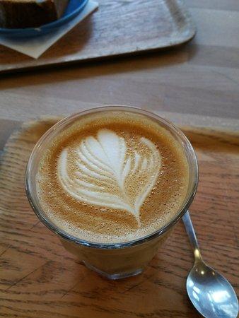Cafe Du Sablon : Great latte with splendid design. Superb coffee too!
