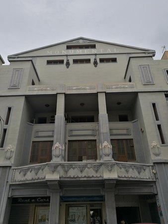 Edificio Antiguo Monumental Cinema Sport: Fachada