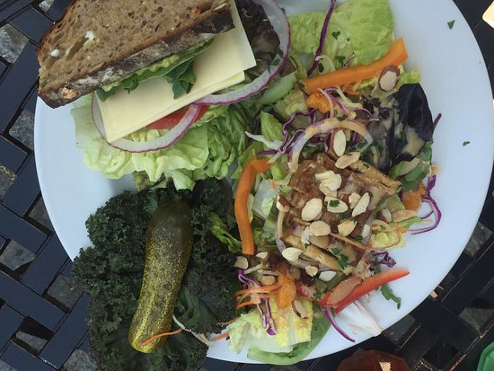 Umpqua, OR: 1/2 Powerhouse sandwich with Asian salad